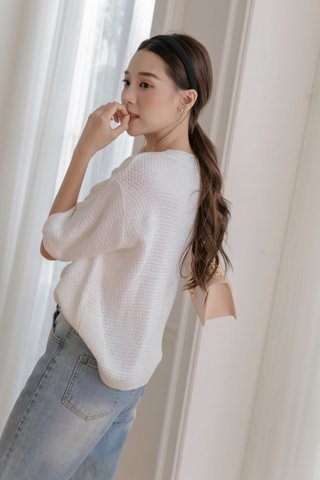 Nuna Knitted Crop Blouse