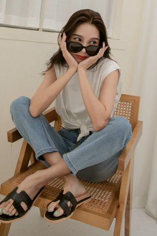 Hers Flippy Sandals in Black