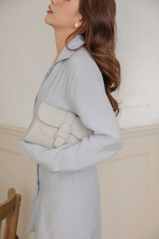 Pouch Pow Bag in Grey