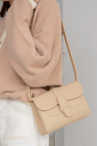 Pouch Pow Bag in Cream