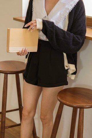 Chelsa Shorts in Black